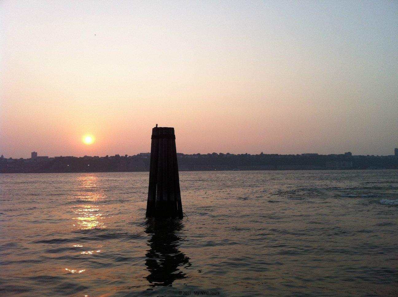 Il tramonto sul fiume Hudson