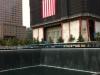 Il memoriale al 11 settembre con il palazzo del World Trade Center 1